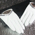 Fashion Women Crystal Genuine Leather Sheepskin Half Palm Short Gloves Size M - White