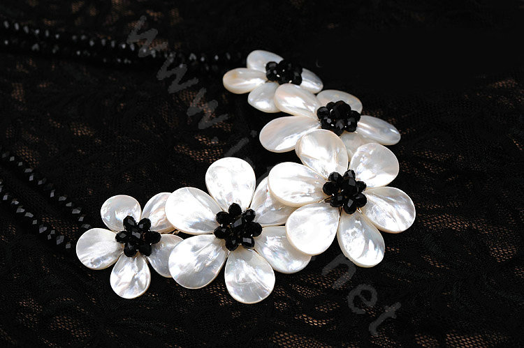 Black and white flower necklace necklace wallpaper gallerychitrak whole luxury fashion women exaggeration choker natural s mightylinksfo