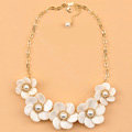 Luxury Women Exaggeration Choker Natural Shell Pearl Flower Bib Necklace Jewelry - White