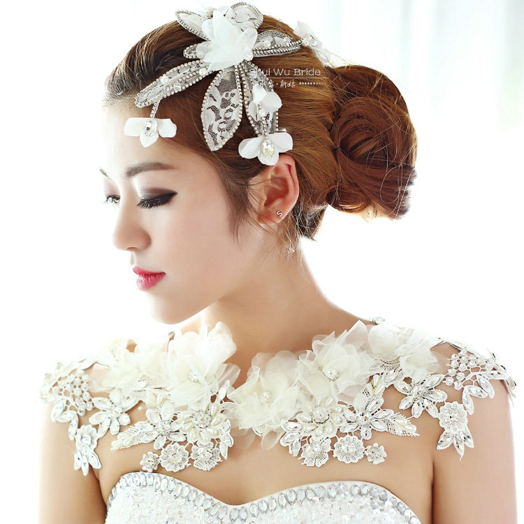 Buy wholesale luxury wedding jewelry pearl crystal lace for Where to buy wedding accessories