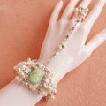 Retro Baroque Lace Flower Rhinestone Bride Wristlet Wedding Bridal with Ring Bracelet Chain Accessories